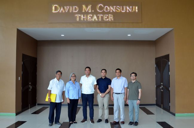 dm consunji theater group photo