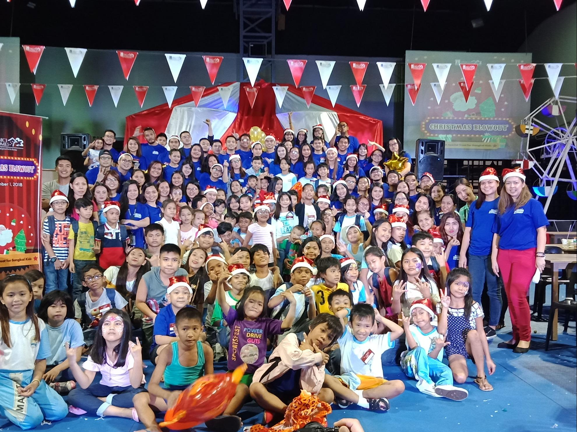 Barangay Bangkal, Makati lauds DMCI Homes yearly 'Christmas Blowout' for underprivileged kids