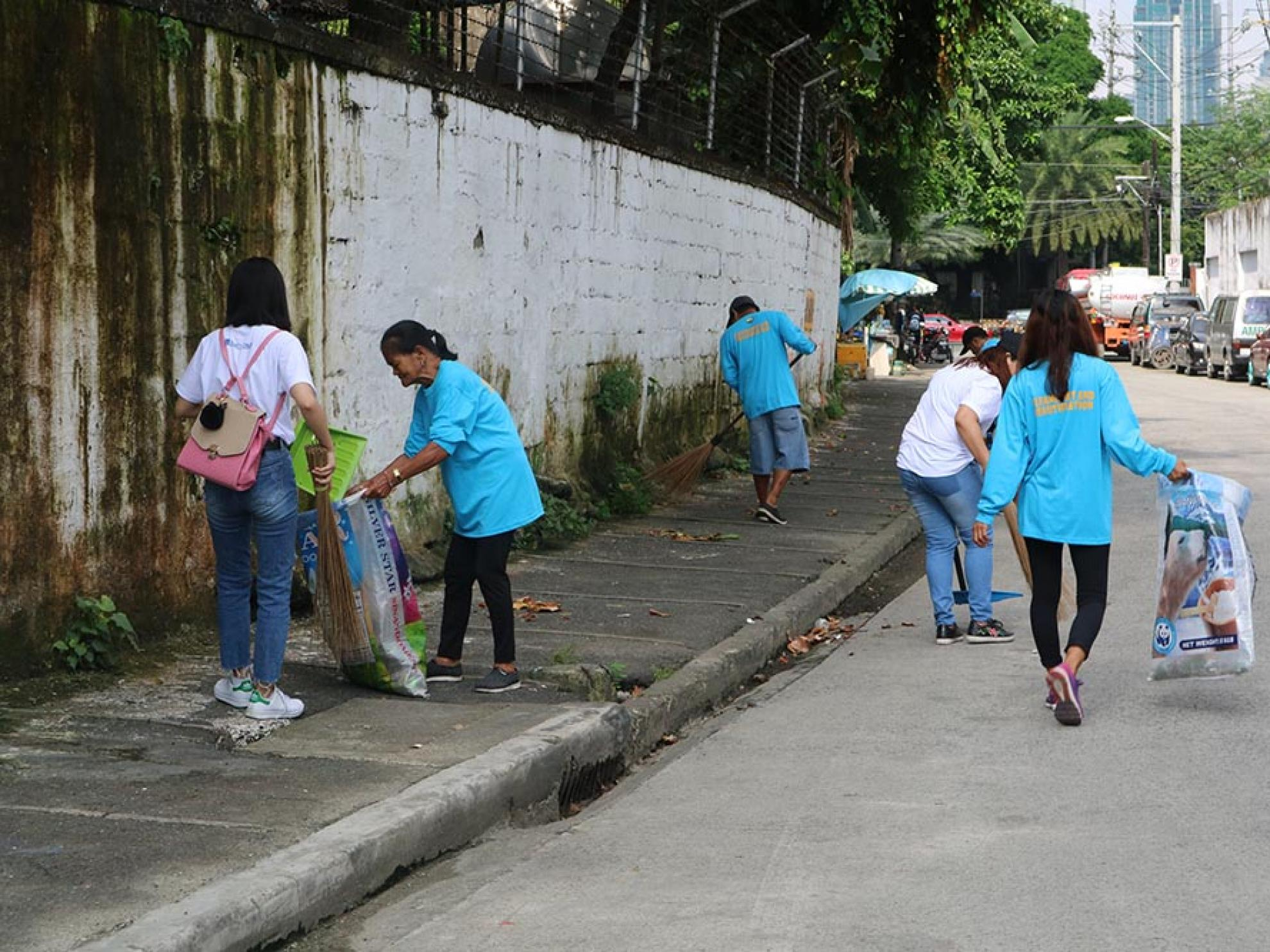 DMCI Homes boosts Guadalupe Viejo, Makati community's clean-up drive