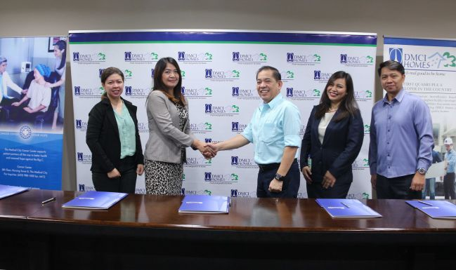 Leaders in real estate and healthcare tie up for a discount program for condo communities.  DMCI Homes and The Medical City officers forge a partnership to provide in-patient services discount for residents of condo communities. Photo shows (from left to