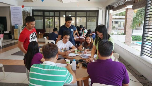 DMCI Homes' Riverfront Residences unit owners and staff register for the blood-letting activity.